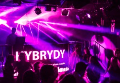 Hybrydy - Warszawa
