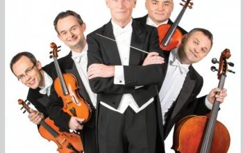 Z batutą i MoCartem czyli Maciej Niesiołowski i Grupa MoCarta symfonicznie