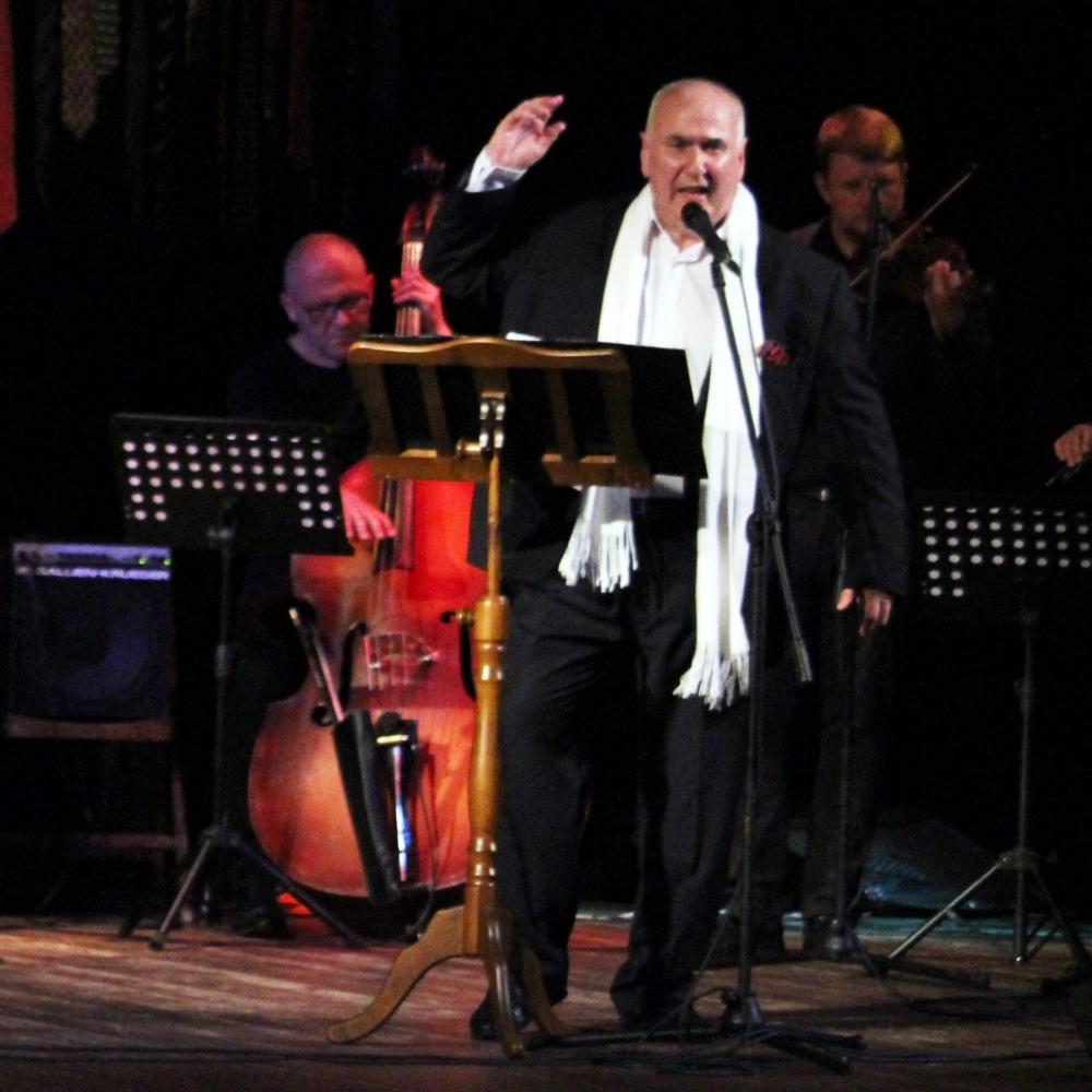 Koncert - Piwnica pod Baranami przedstawia: Rafał Jędrzejczyk z zespołem – recital kabaretowy